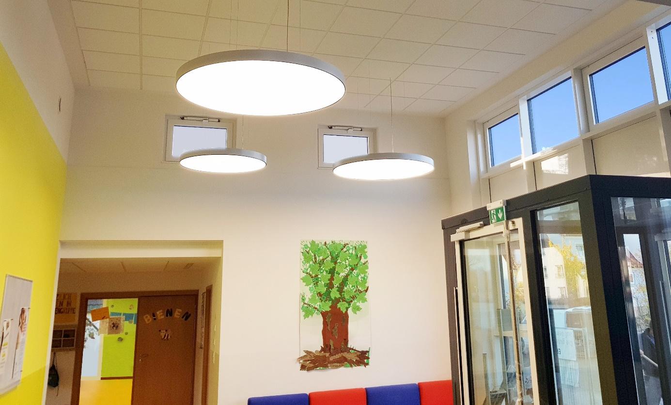 Beleuchtung im Foyer in einem Kindergarten