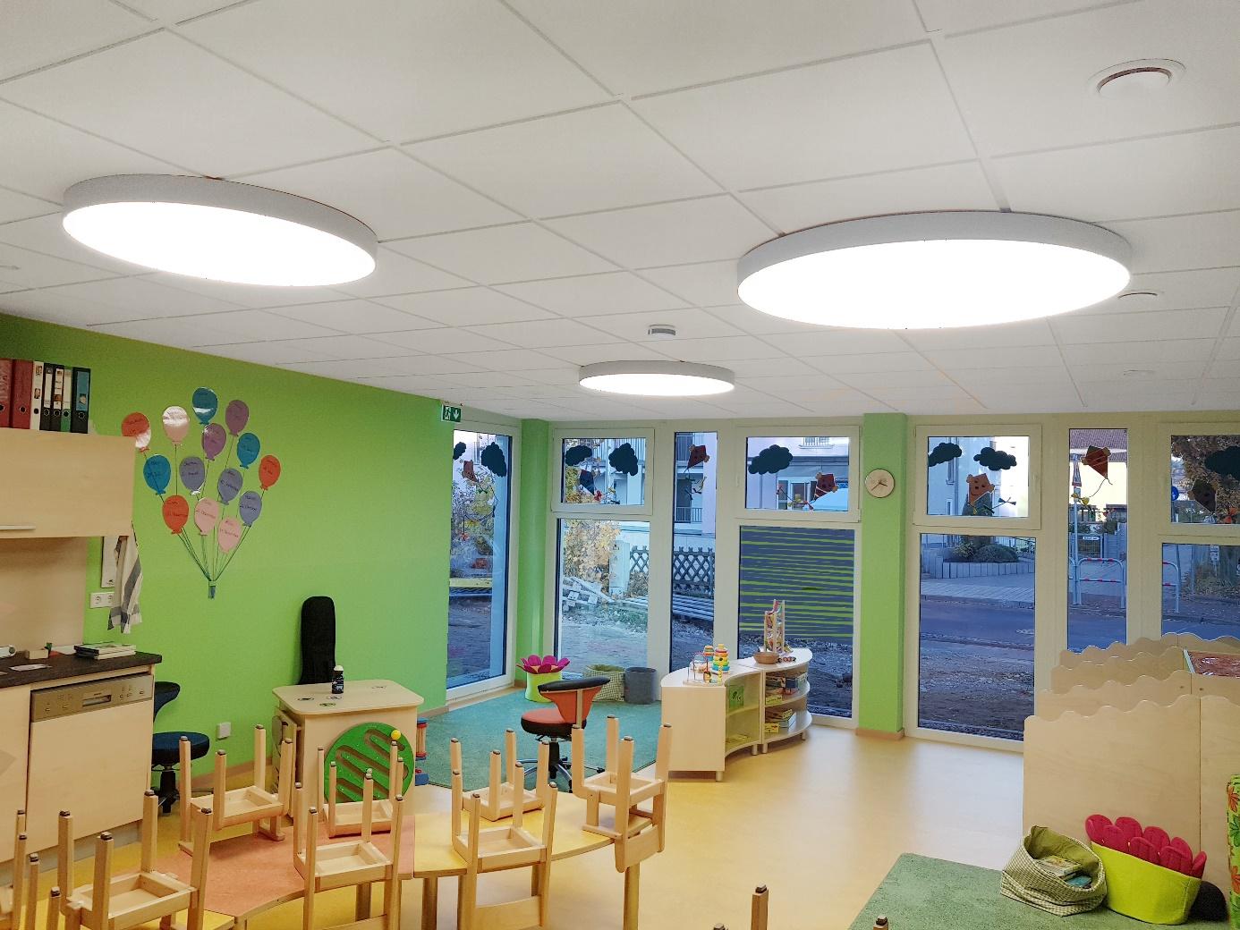Bild einer Beleuchtung in einem Kindergarten